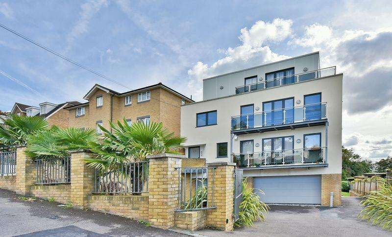 2 Bedrooms Apartment Flat for sale in 18 Brockley Park, Forest Hill, London