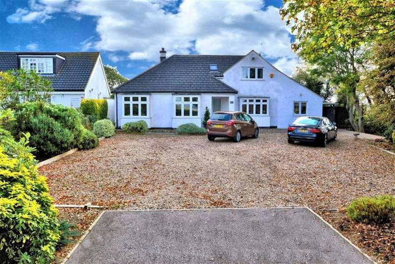 4 Bedrooms Chalet House for sale in Lindsey Street, Epping, Essex