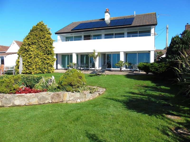 4 Bedrooms Detached House for sale in Smithies Avenue, Sully, Penarth