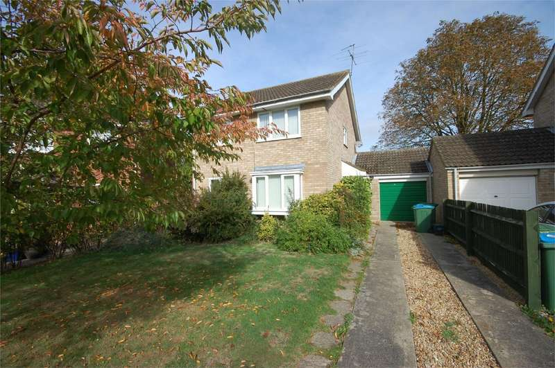 4 Bedrooms Detached House for sale in Southwold Close, Aylesbury, Buckinghamshire