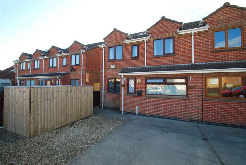 4 Bedrooms Semi Detached House for sale in Beatrice Way, Chapel St Leonards, Skegness