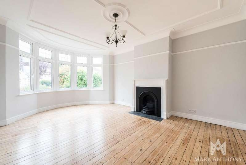 4 Bedrooms Semi Detached House for sale in Blake Road N11