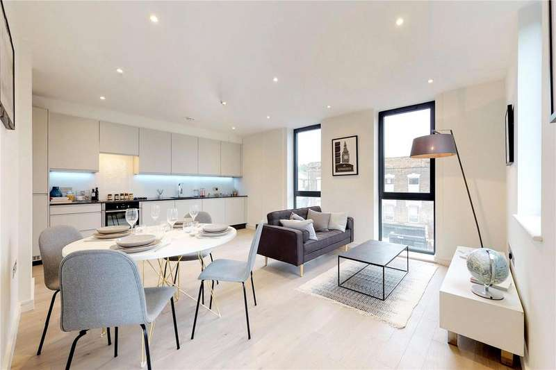 2 Bedrooms Flat for sale in Lower Clapton Road, London, E5