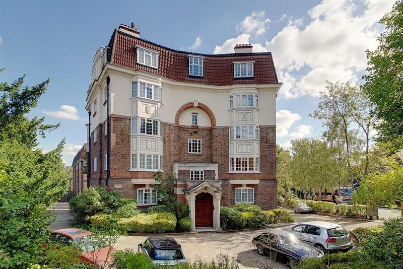 2 Bedrooms Flat for sale in Crystal Palace Park Road, SE26