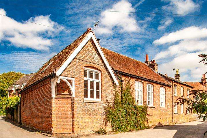 3 Bedrooms Semi Detached House for sale in The Old School, Aldworth, RG8