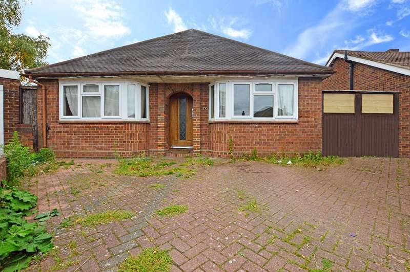 3 Bedrooms Detached Bungalow for sale in Challney Close, Luton, LU4 9TF