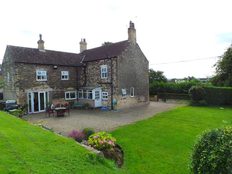 4 Bedrooms Detached House for sale in Front Street, East Stockwith DN21