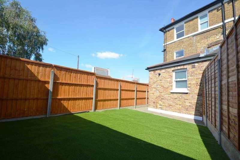 1 Bedroom Flat for sale in Albion Way Lewisham SE13