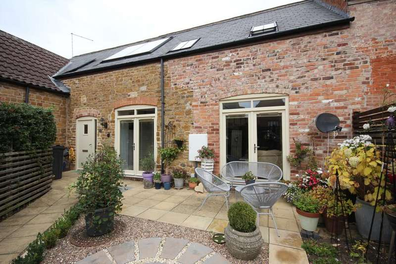 2 Bedrooms Barn Conversion Character Property for sale in Old Brewery Court, Main Street, Somerby