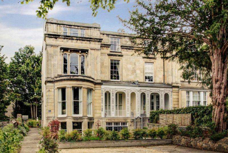 2 Bedrooms Apartment Flat for sale in Hillside, Cotham