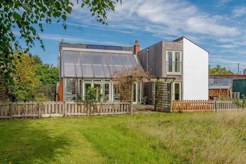 4 Bedrooms Detached House for sale in Holme Marsh, Kington