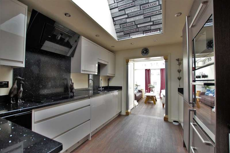 3 Bedrooms Detached Bungalow for sale in Boundary Paddock, Navenby
