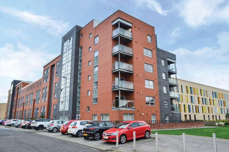 2 Bedrooms Flat for sale in Mathieson Terrace, Flat 1/3, New Gorbals , Glasgow, G5 0UT