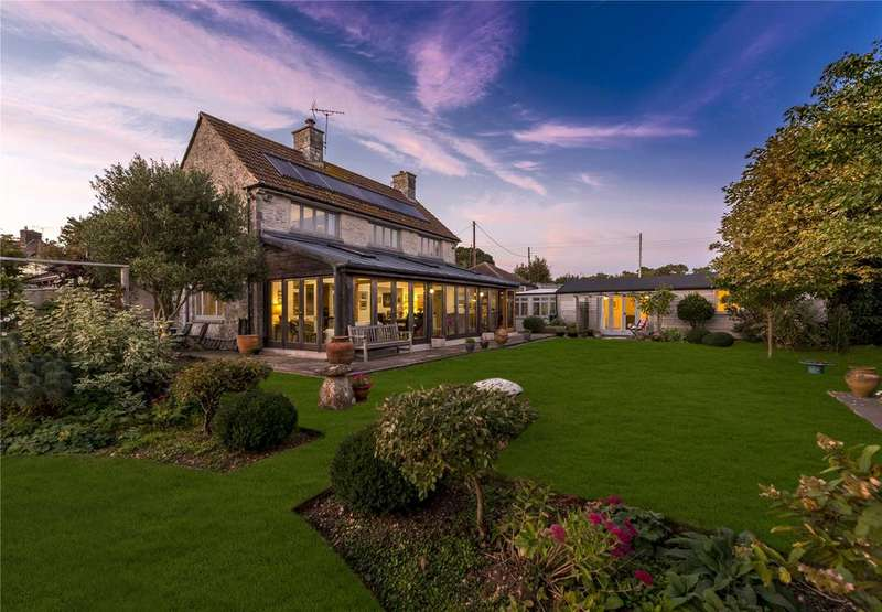 4 Bedrooms Semi Detached House for sale in Charminster, Dorset