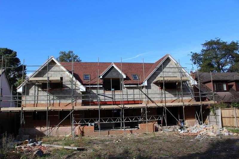 5 Bedrooms Detached House for sale in Nine Mile Ride, Finchampstead, Berkshire, RG40 4JA