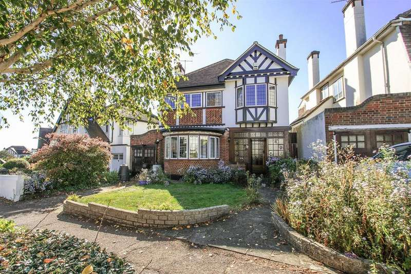 4 Bedrooms Detached House for sale in Mount Avenue, Westcliff-on-Sea