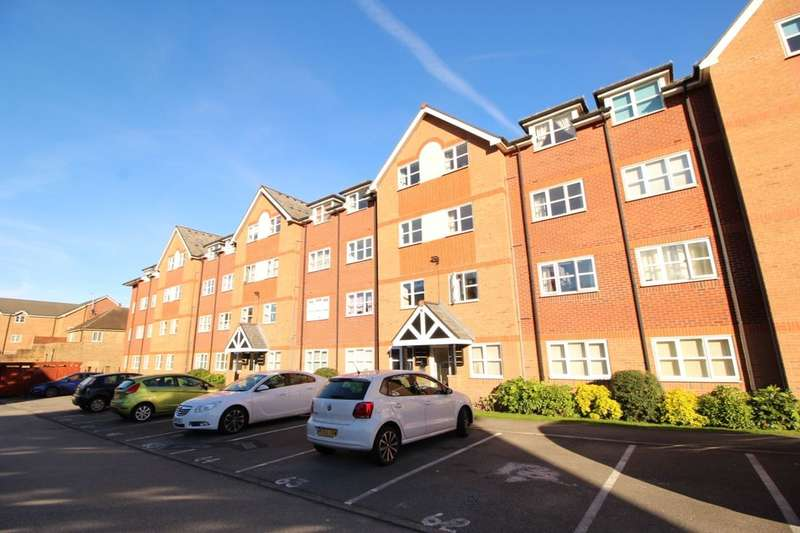 2 Bedrooms Flat for sale in Hall Lane, Manchester, M23