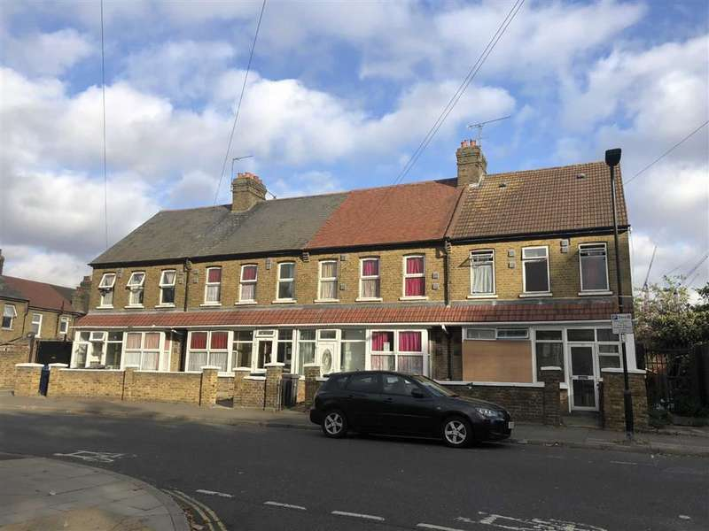 Property for sale in Havelock Road, Southall, Middlesex