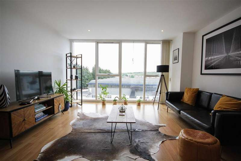 2 Bedrooms Flat for sale in Airpoint, Skypark Road, Bedminster, Bristol, BS3 3NL