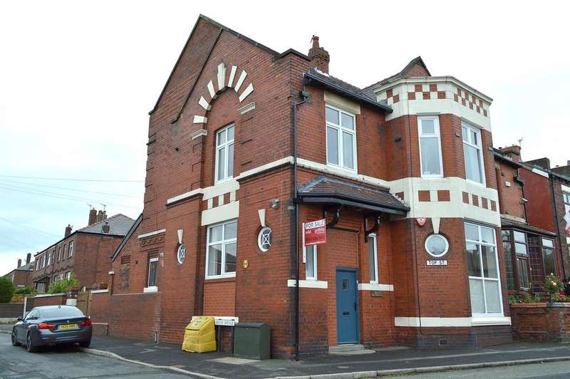 4 Bedrooms Semi Detached House for sale in Top Street, Greenacres, Oldham, OL4 2DR