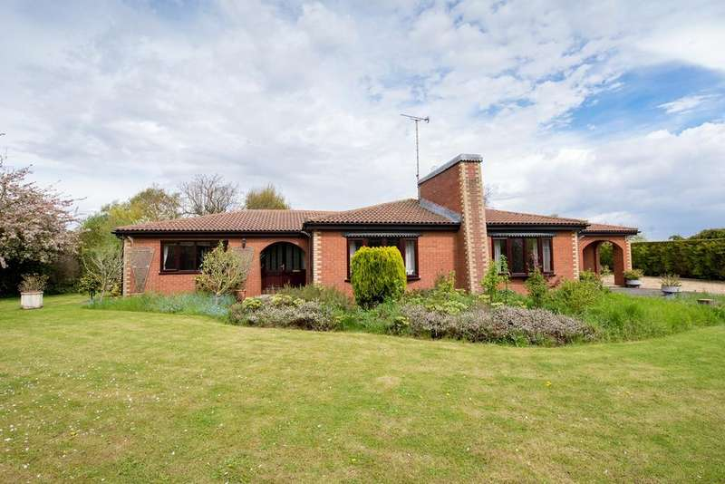 3 Bedrooms Detached Bungalow for sale in Victory Close, Moulton, PE12