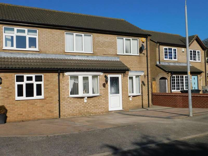 4 Bedrooms Semi Detached House for sale in Burghley Road, Skegness, Lincs, PE25 3NJ