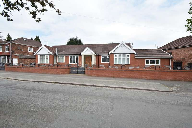 6 Bedrooms Bungalow for sale in Boardman Road, Manchester, M8
