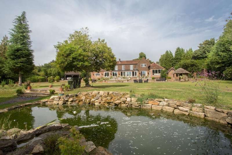 5 Bedrooms Detached House for sale in Little London Road, Heathfield, East Sussex, TN21 0BA