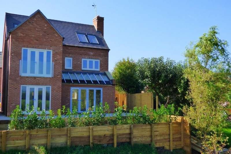 4 Bedrooms Detached House for sale in Wentworth Place (off Dove Lane), Rocester