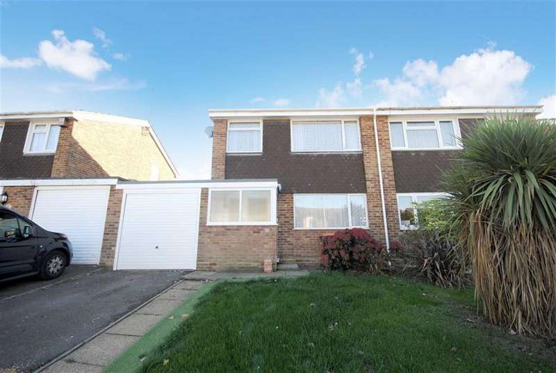3 Bedrooms Semi Detached House for sale in Orchard Drive, Linslade, Leighton Buzzard