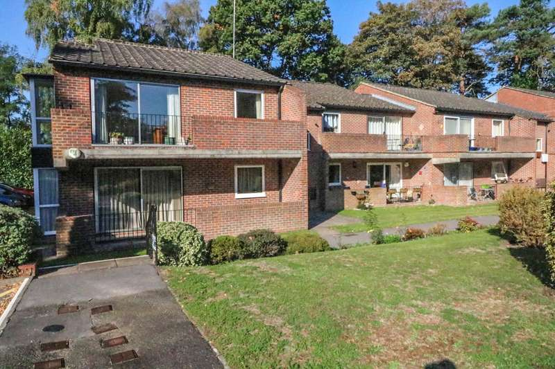 3 Bedrooms Apartment Flat for sale in Nugee Court, Dukes Ride, Crowthorne, Berkshire, RG45