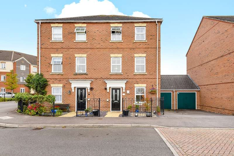 4 Bedrooms Semi Detached House for sale in Whitgift Close, Beggarwood, Basingstoke, RG22