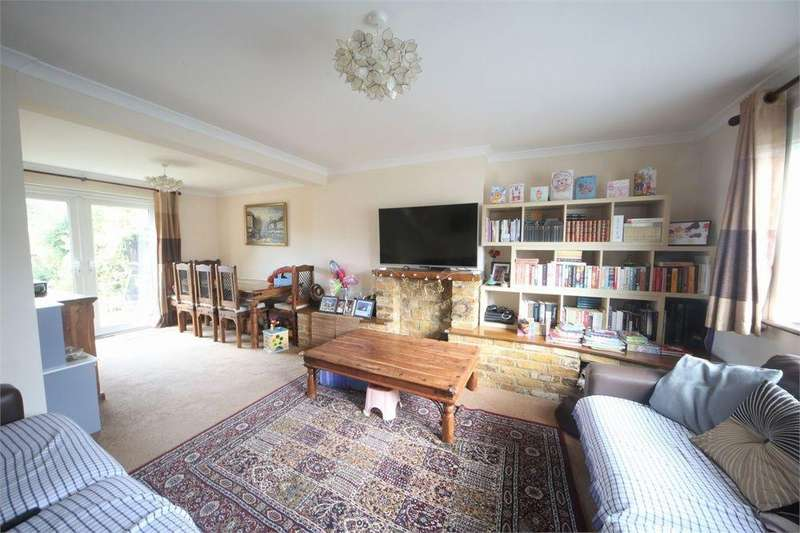 3 Bedrooms Terraced House for sale in Minster Way, Langley, Berkshire