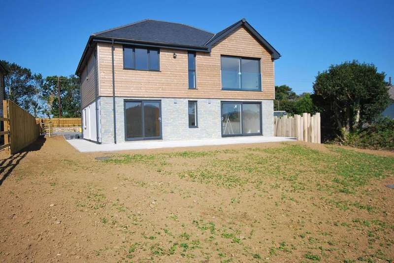 4 Bedrooms Detached House for sale in Townshend, Nr. Marazion, Cornwall, TR27