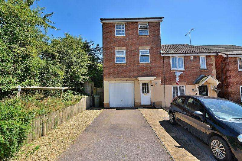 3 Bedrooms Semi Detached House for sale in Middleton Way, Leighton Buzzard