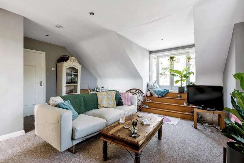3 Bedrooms Flat for sale in Balham Park Road, Balham