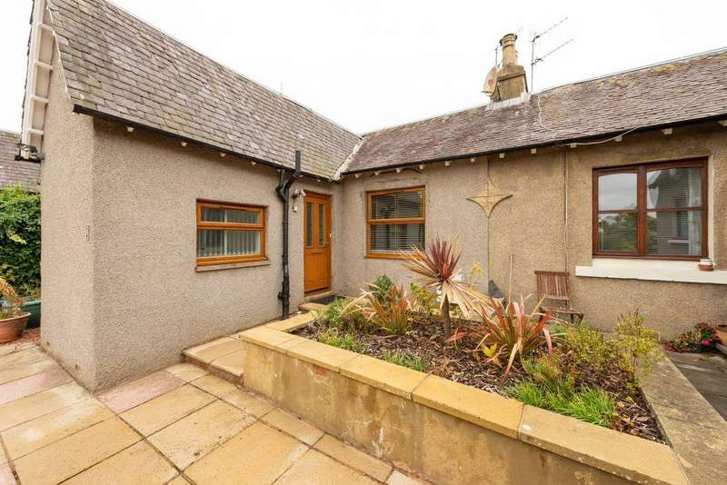3 Bedrooms Terraced Bungalow for sale in 2 Newliston Road, Kirkliston, EH29 9DW