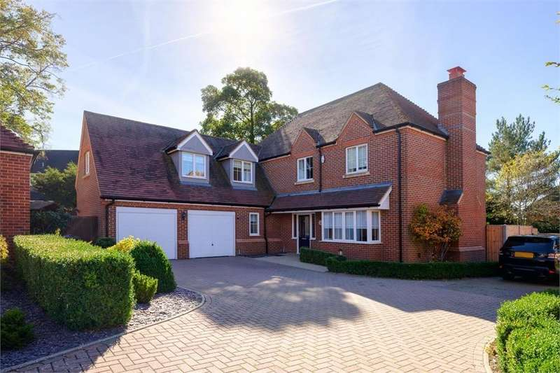 5 Bedrooms Detached House for sale in Clements Place, Rectory Lane, Hertfordshire