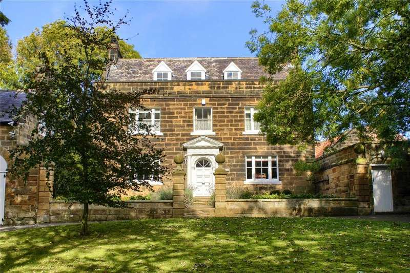 5 Bedrooms Detached House for sale in Brotton House, High Street