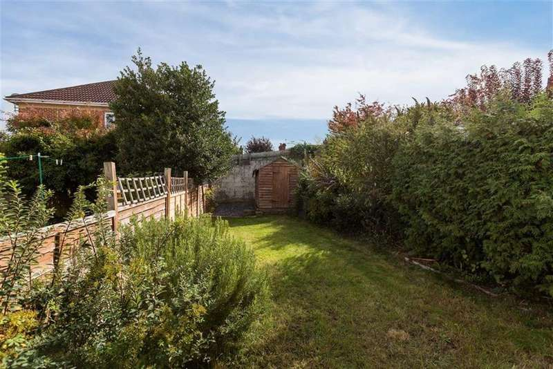 2 Bedrooms Terraced House for sale in Bromley Road, Horfield