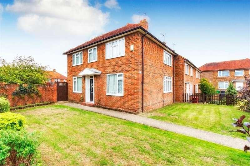 4 Bedrooms End Of Terrace House for sale in Farnham Lane, Farnham Royal, Berkshire