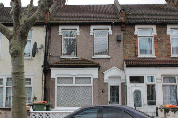3 Bedrooms House for sale in Latimer Avenue, East Ham, E6
