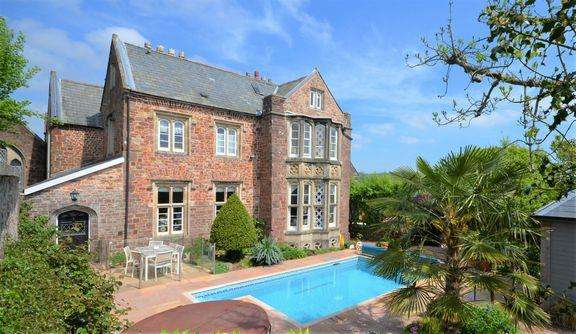 7 Bedrooms Town House for sale in Tiverton Outskirts