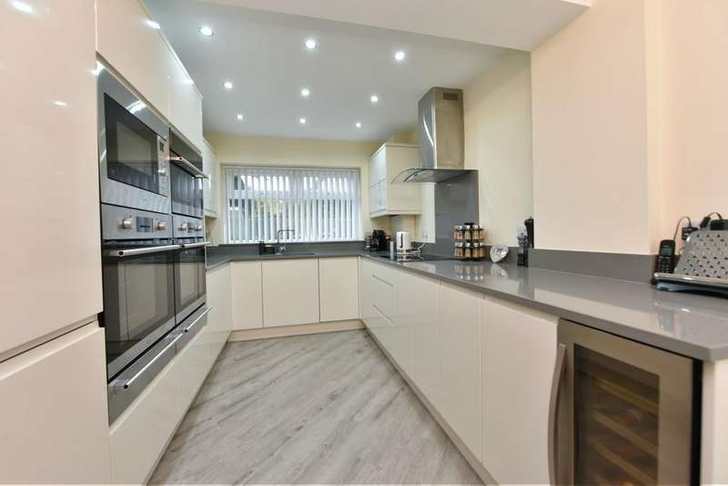 3 Bedrooms Semi Detached House for sale in Barnes Road, Ormskirk