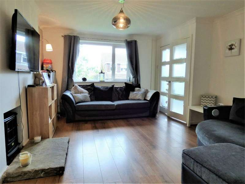 3 Bedrooms Semi Detached House for sale in Harebell Close, BLACKBURN, Lancashire