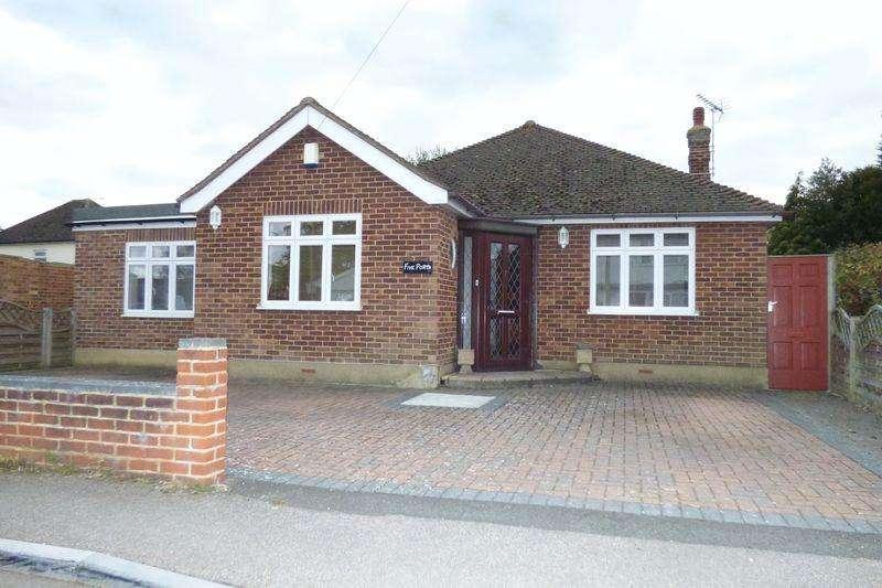 3 Bedrooms Detached Bungalow for sale in West Road, Malden Rushett, Chessington