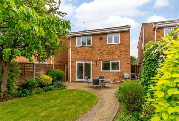 4 Bedrooms Detached House for sale in Appenine Way, Leighton Buzzard, Bedfordshire