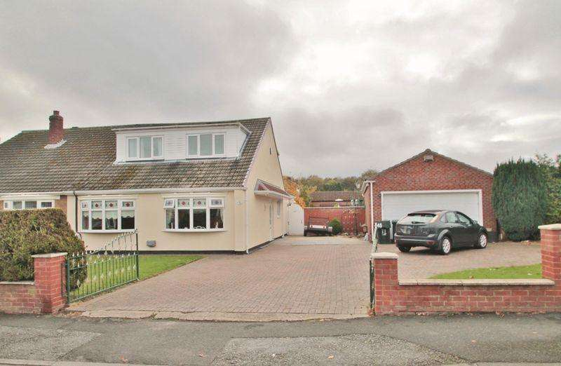 5 Bedrooms Semi Detached Bungalow for sale in Balmoral Road, Ormesby