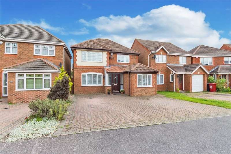 4 Bedrooms Detached House for sale in Grasholm Way, Langley, Berkshire