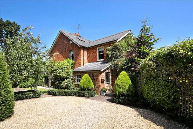 4 Bedrooms Detached House for sale in Parkers Lane, Maidens Green, Bracknell, Berkshire, RG42